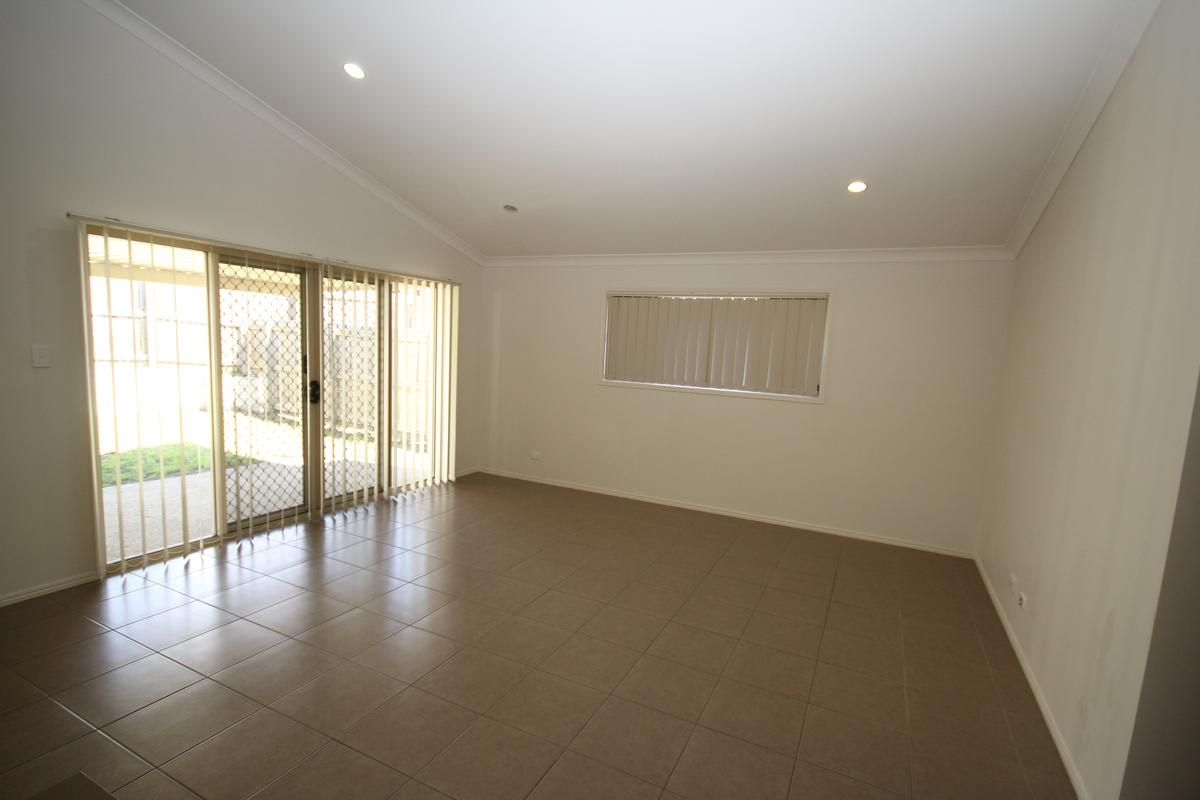 7 O'Kelly Court, Collingwood Park QLD 4301, Image 2