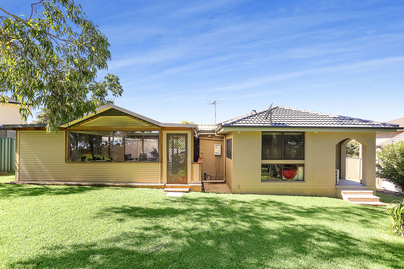 5 Wewak Place, Bossley Park NSW 2176, Image 0
