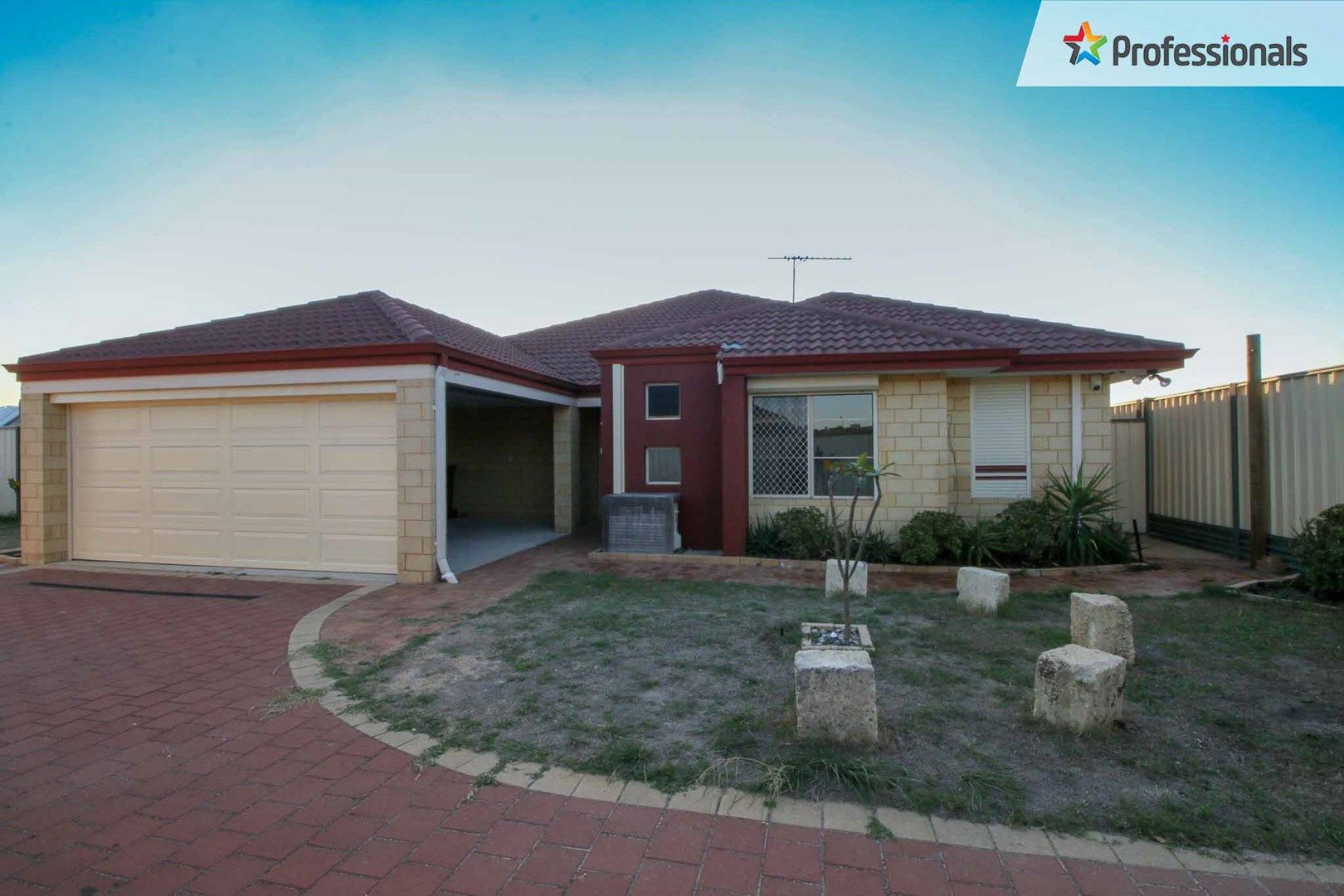 12 Donegal Crt, Seville Grove WA 6112, Image 0