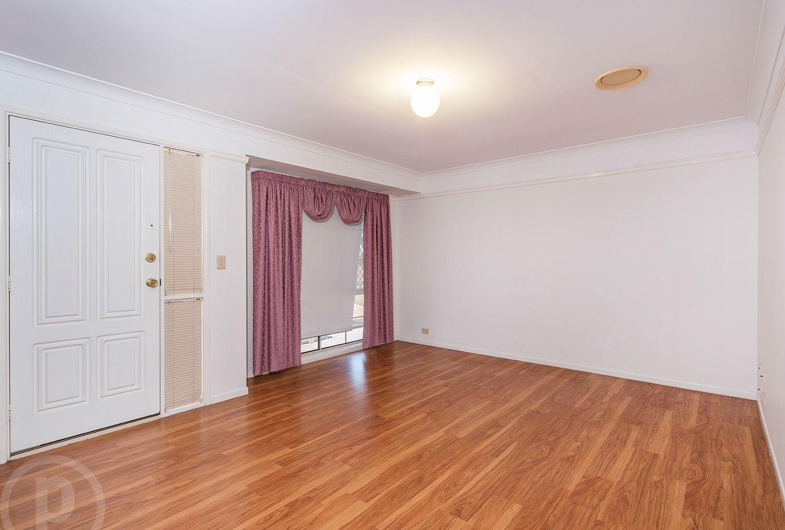 6 Savanna Place, Eight Mile Plains QLD 4113, Image 2