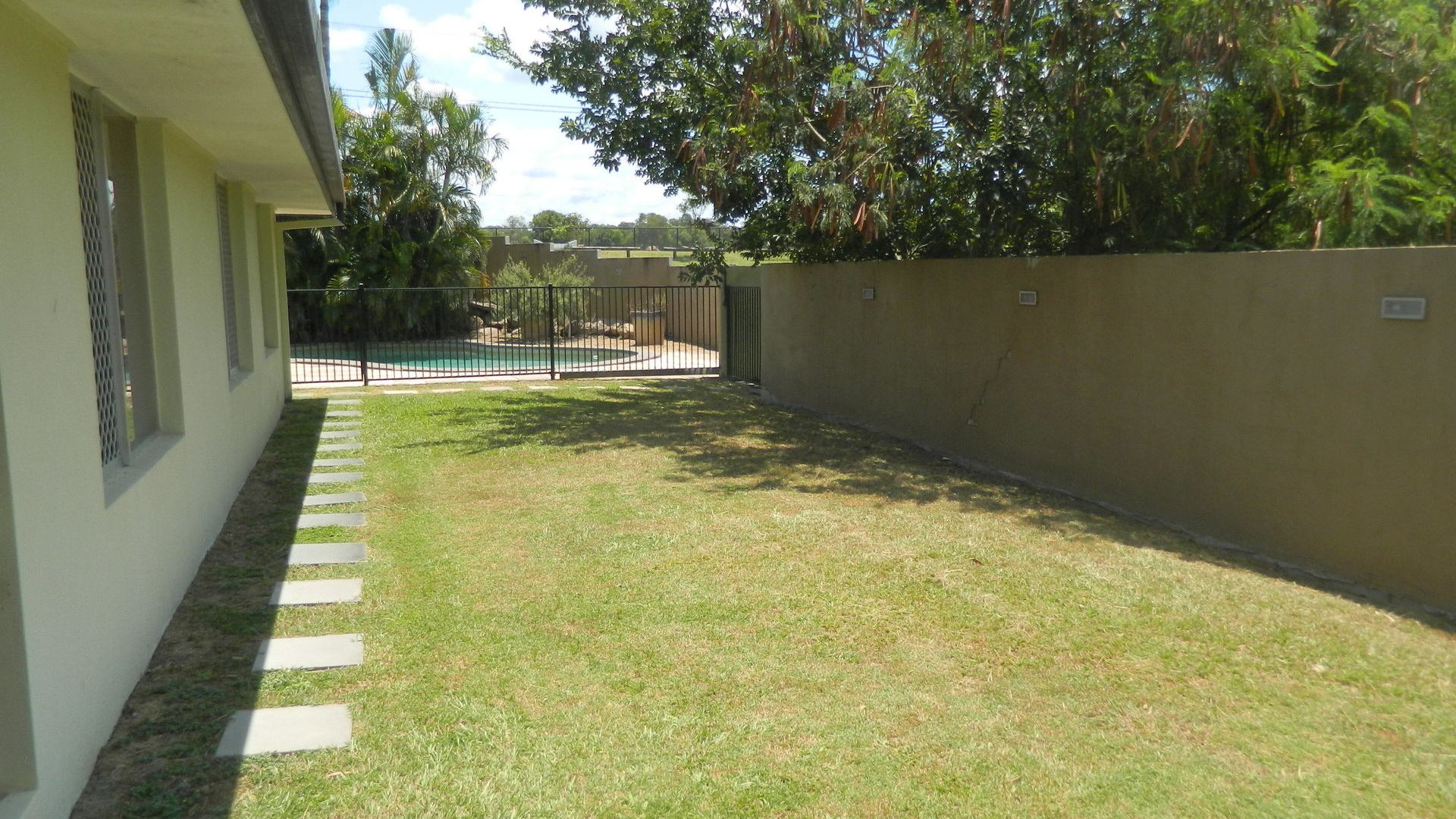 3 Michelangelo Street, Fig Tree Pocket QLD 4069, Image 2