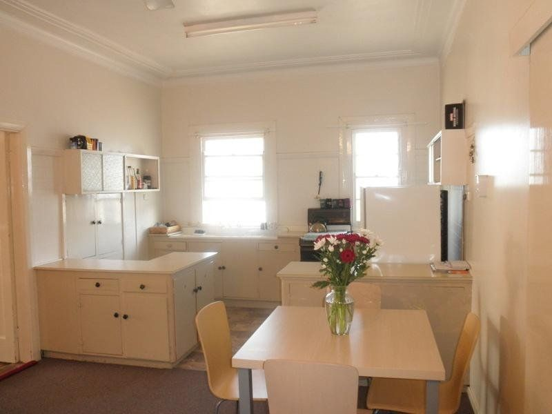 Unit 1/393 Conadilly St, Gunnedah NSW 2380, Image 2