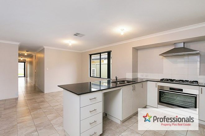 Picture of 7 Wadham Link, PIARA WATERS WA 6112