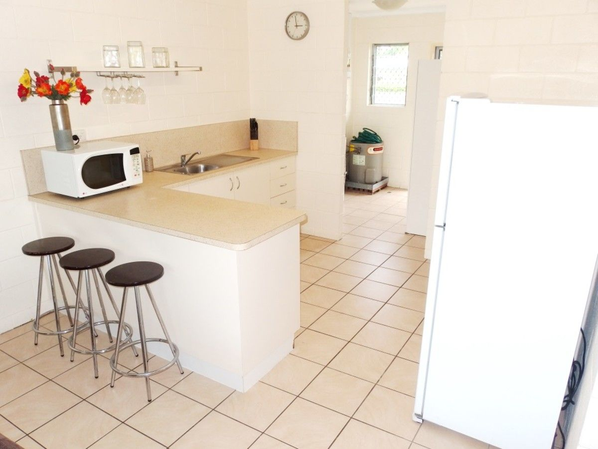 9/37 Hugh Street, West End QLD 4810, Image 2