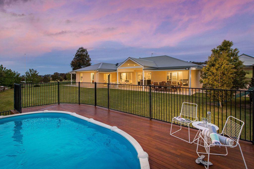 147 Alexandra Way, Table Top NSW 2640, Image 0