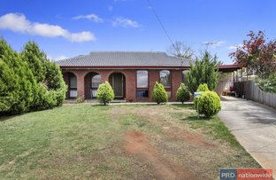 15 Dalton Drive, Melton South VIC 3338