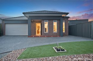 Picture of 17 Parkfield Court, Deer Park VIC 3023