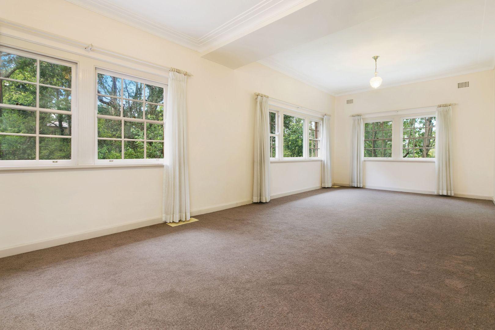 8 Blytheswood Avenue, Warrawee NSW 2074, Image 2