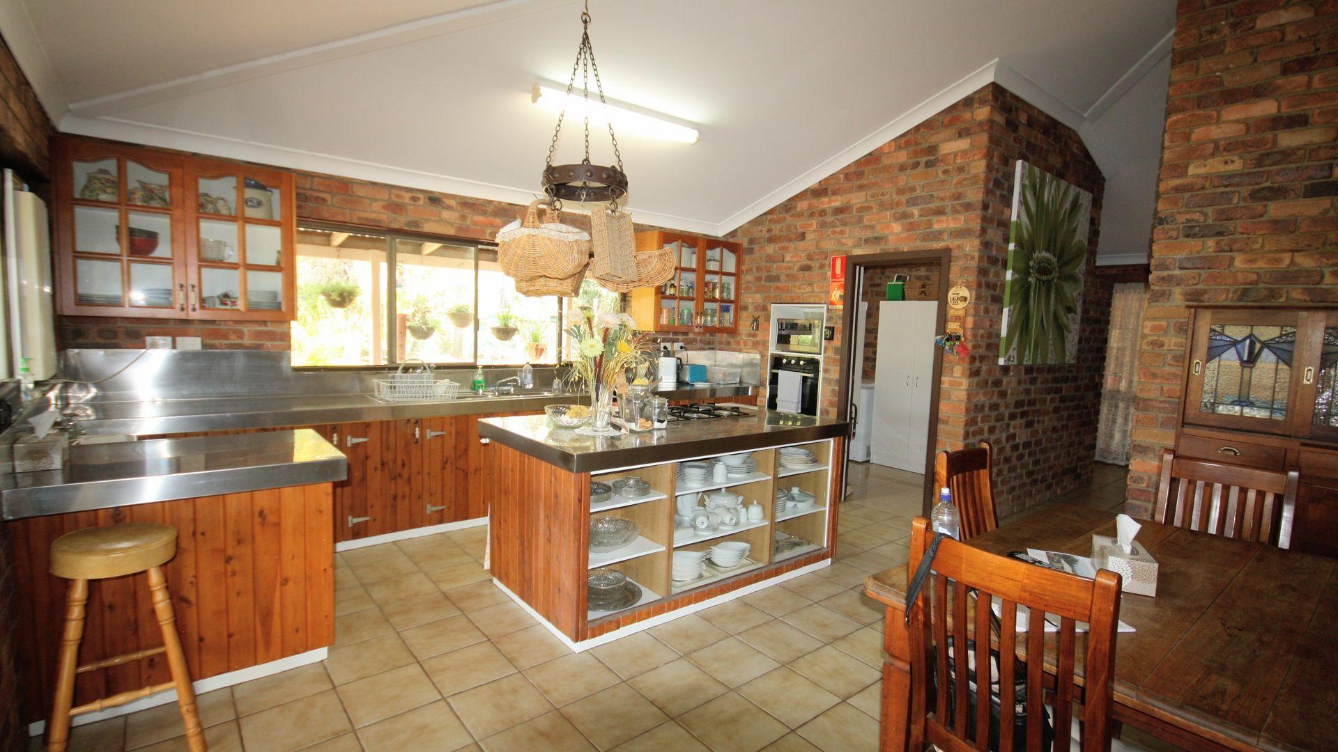 200 Stanton Harcourt Road, Biggenden QLD 4621, Image 2