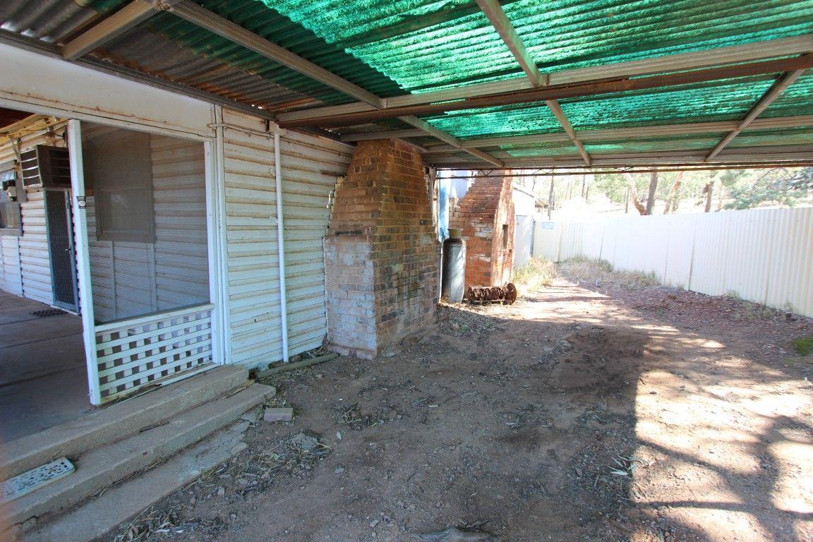 28 Barellan Street, Ardlethan NSW 2665, Image 2
