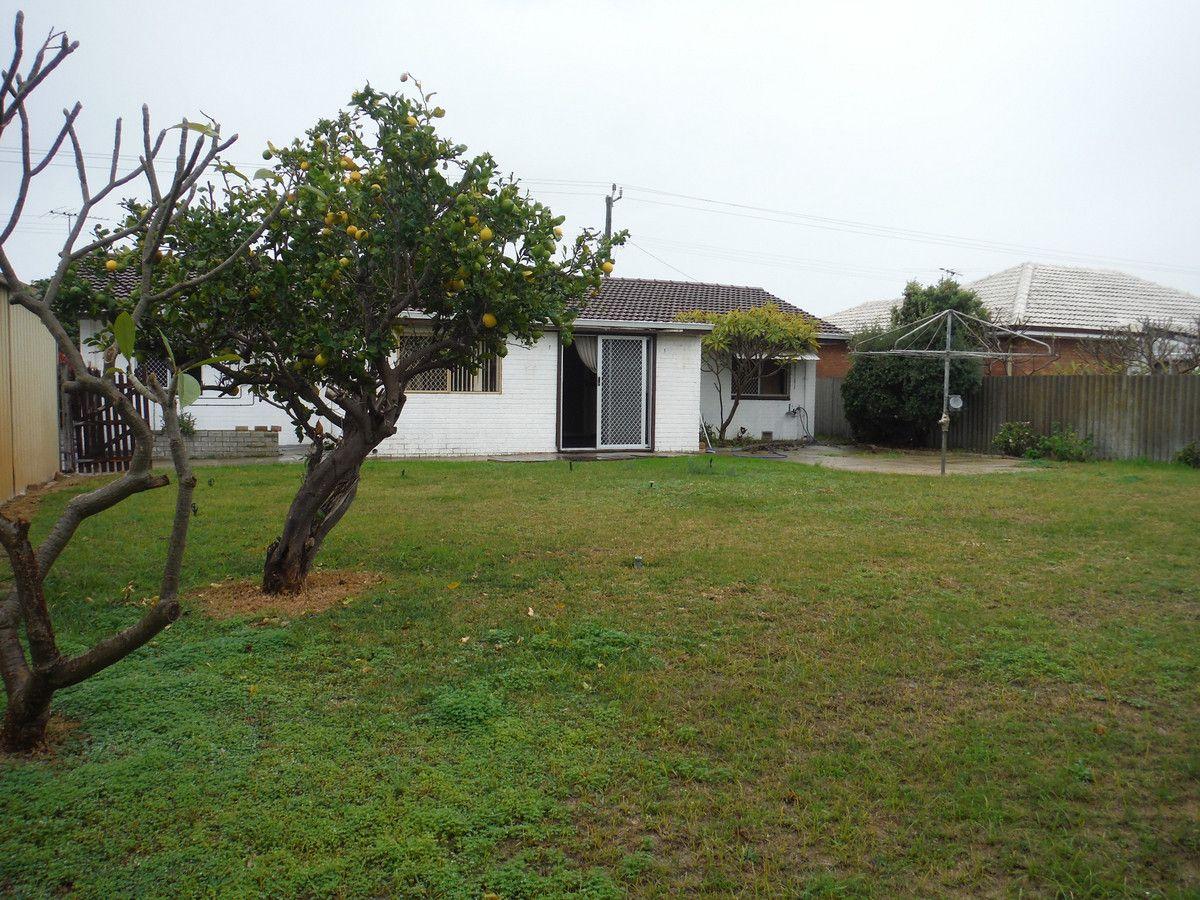 47 Malibu Road, Safety Bay WA 6169, Image 2