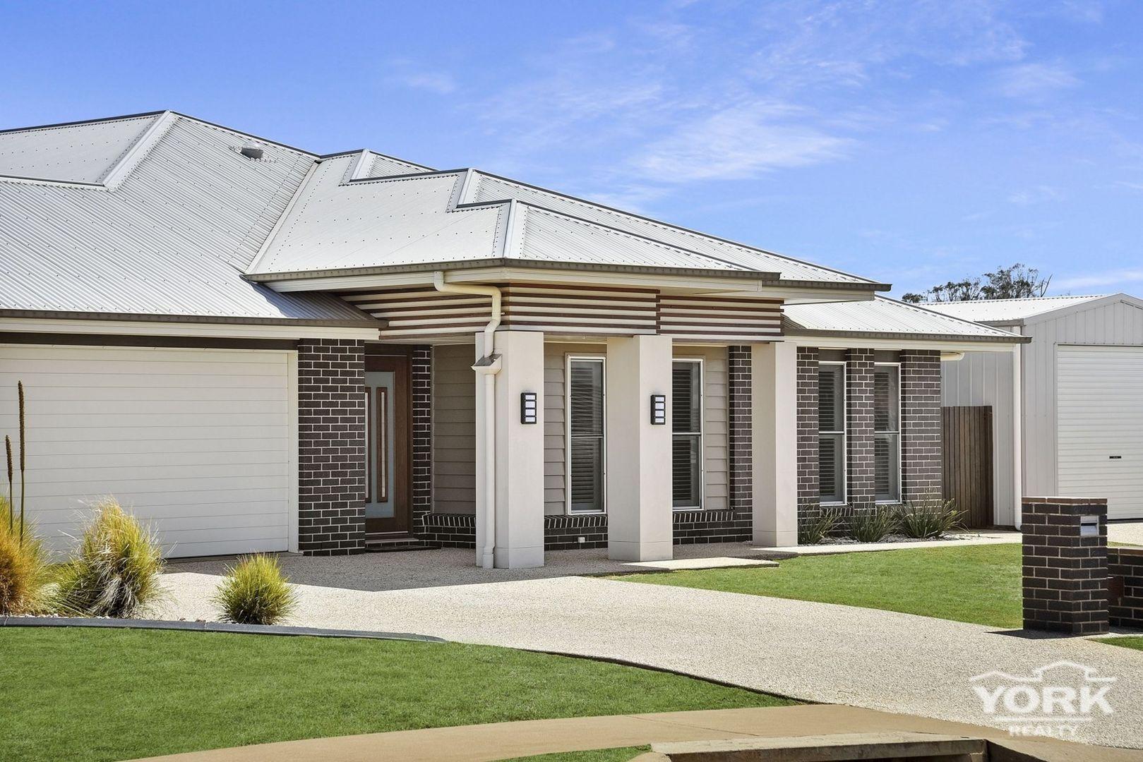 33 Trevean Drive, Kleinton QLD 4352, Image 0