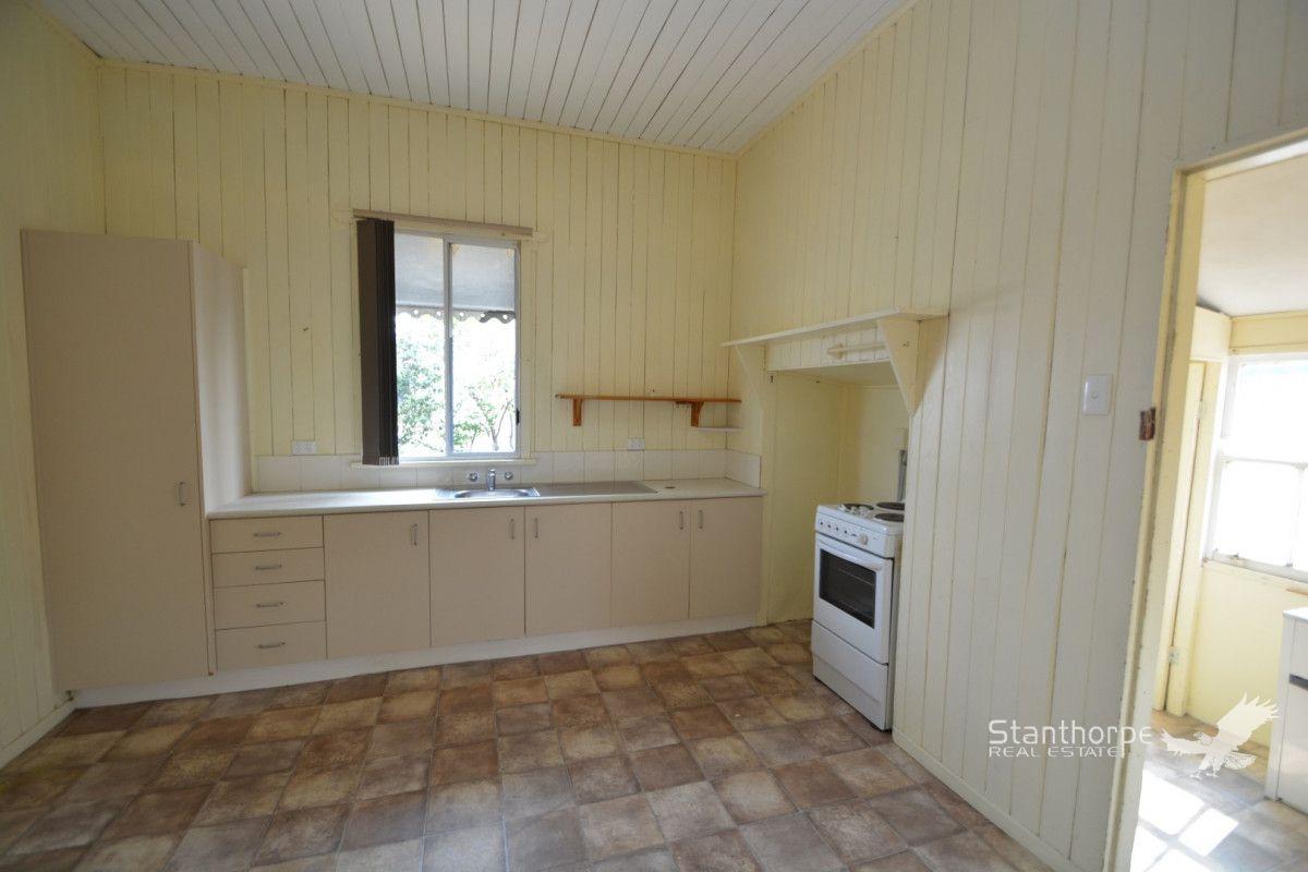 44 Archibald Street, Stanthorpe QLD 4380, Image 2
