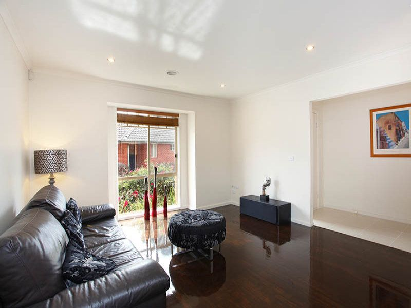 1/19 Earls Court, Wantirna South VIC 3152, Image 1