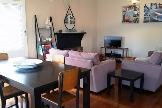 Picture of 7 First Avenue, ST LEONARDS VIC 3223