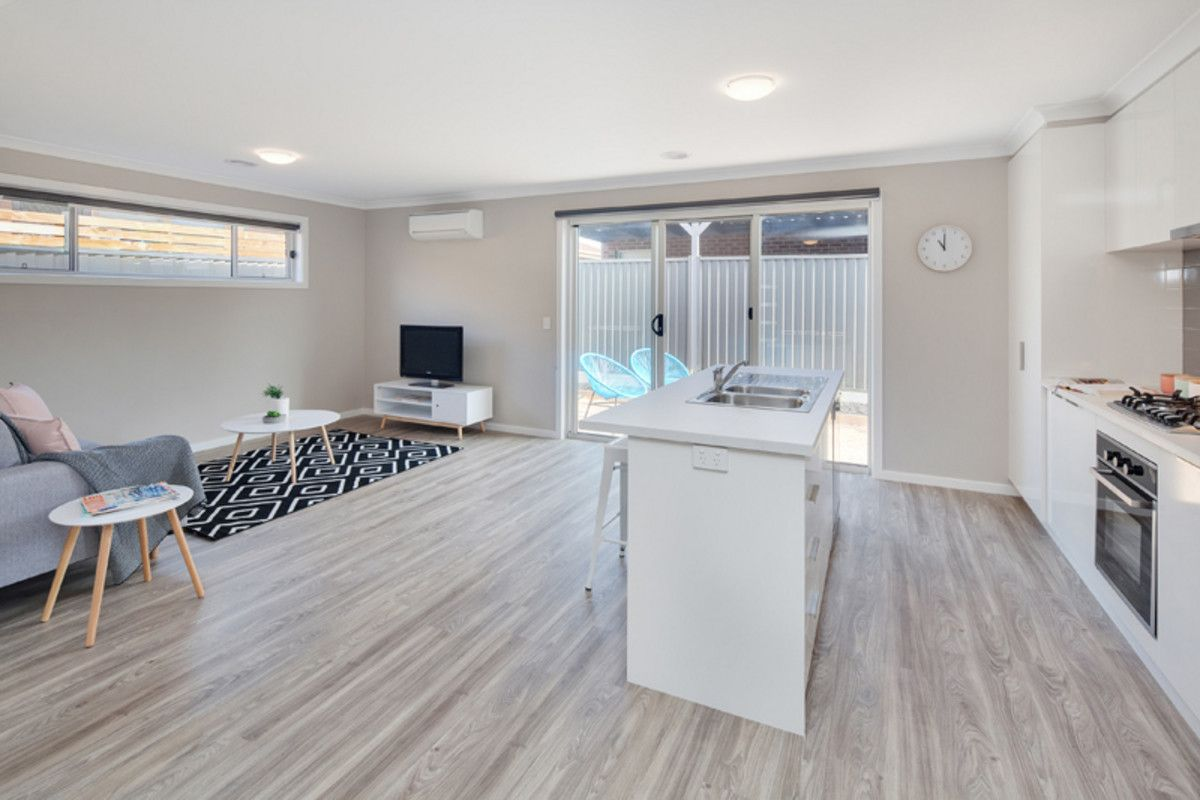 1/319 Lal Lal Street, Canadian VIC 3350, Image 2