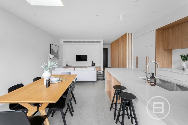 Picture of 22 Linton Street, ST KILDA EAST VIC 3183