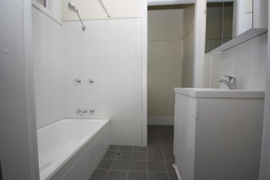 2/25 Nandewar Street, Narrabri NSW 2390, Image 2