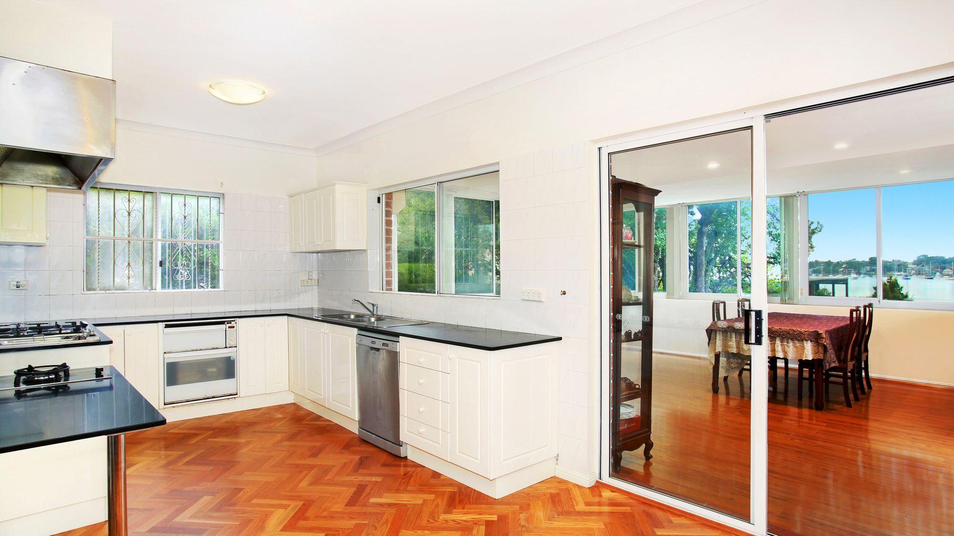 34 Beach Street, Blakehurst NSW 2221, Image 2