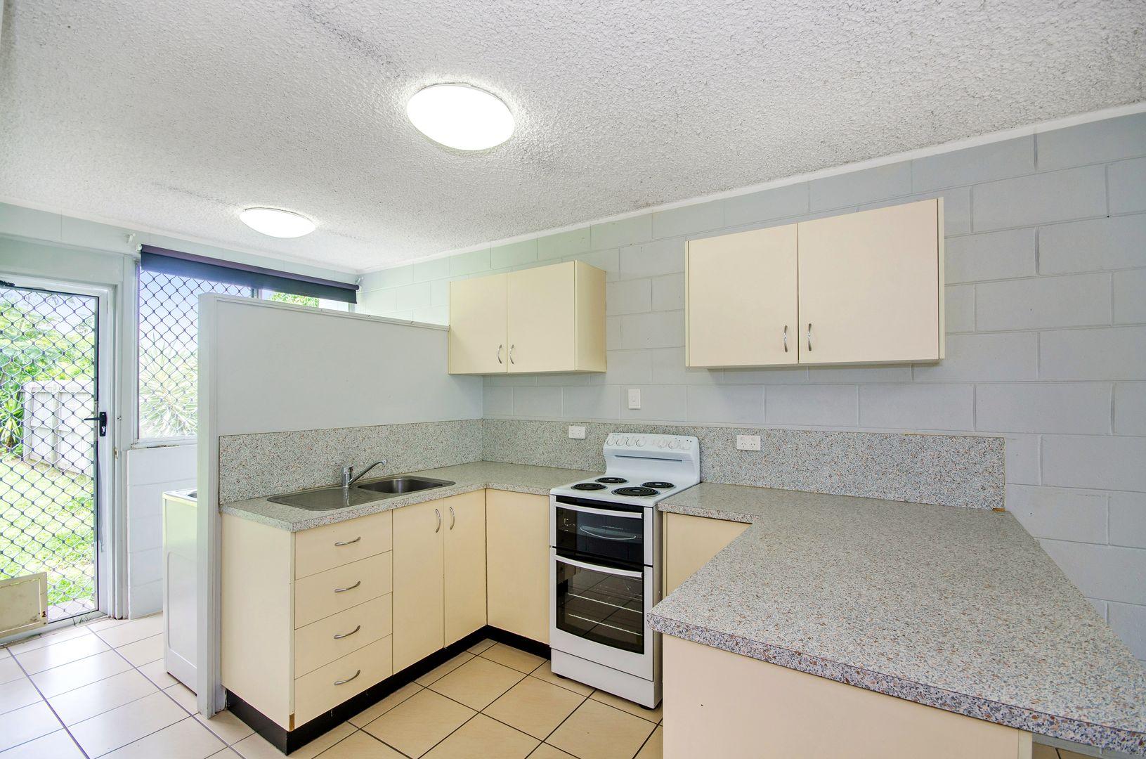 1/8 Barron Street, West End QLD 4810, Image 0