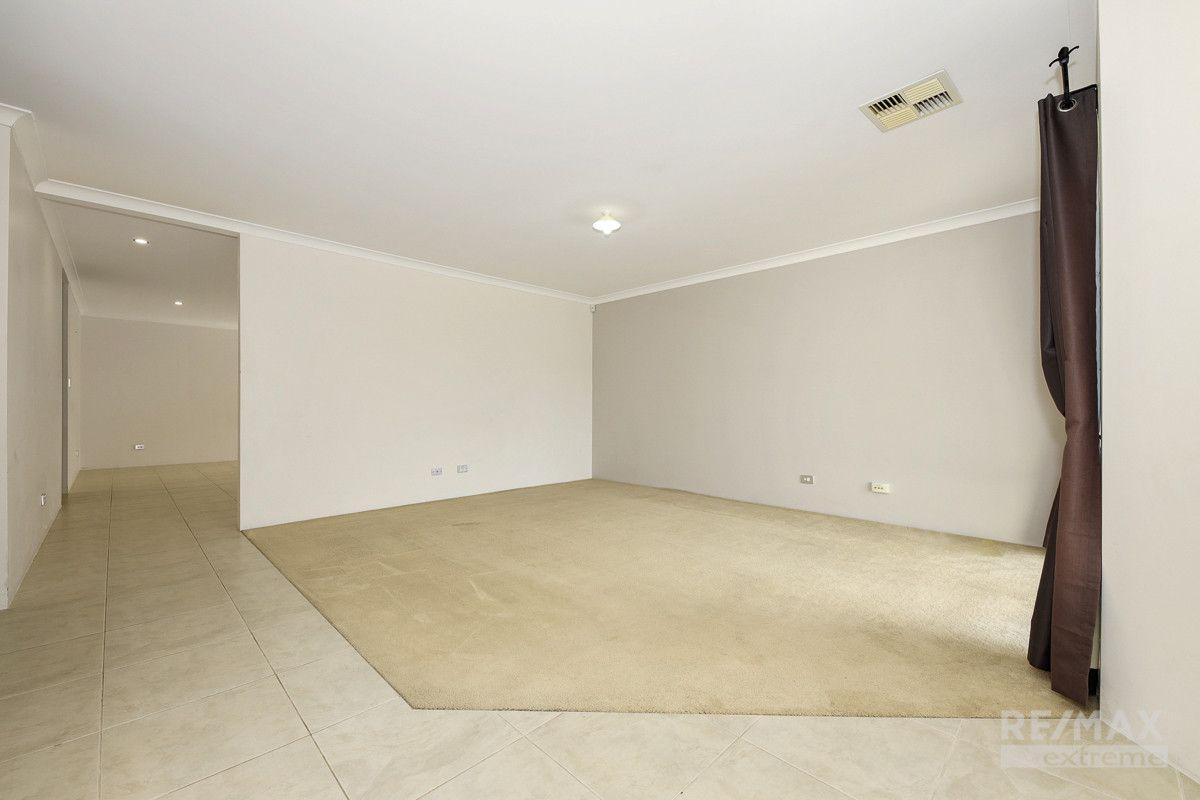 7 Neah Place, Butler WA 6036, Image 2