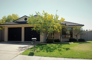 Picture of 30 Barrima Drive, Glenfield Park NSW 2650