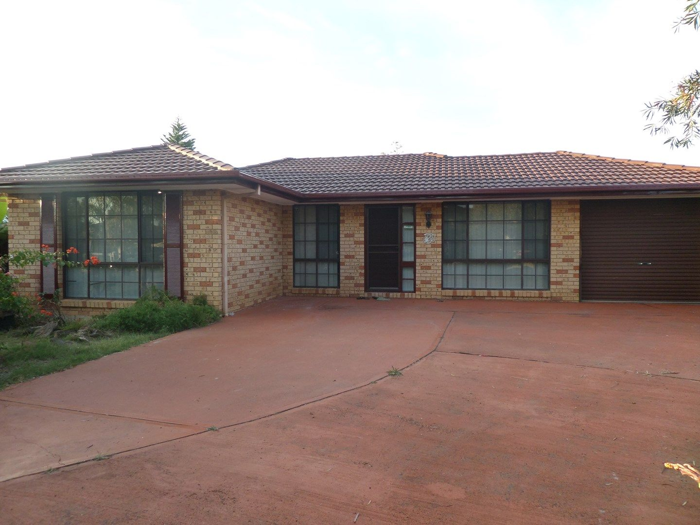 27 Budgerigar Street, Green Valley NSW 2168, Image 0