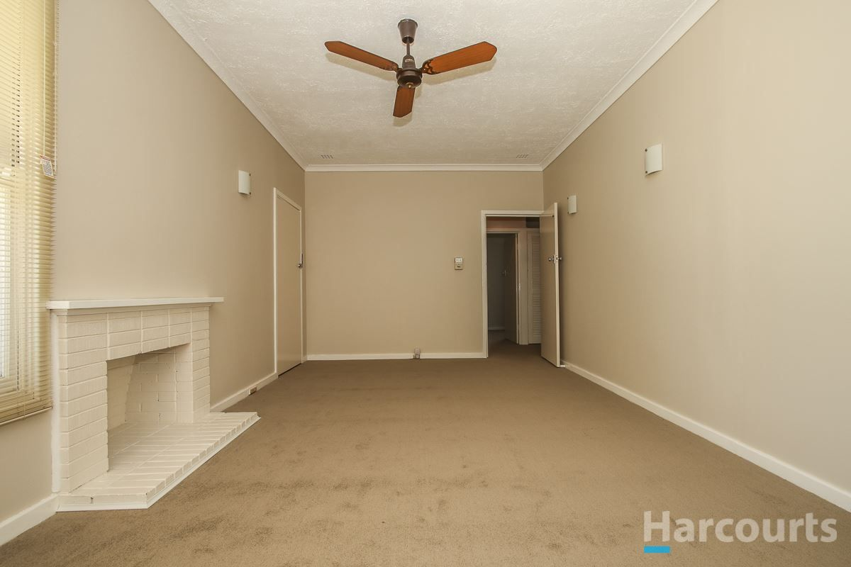 55 Counsel Road, Coolbellup WA 6163, Image 2