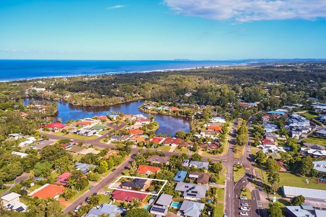 Picture of 6 Hardy Ave, OCEAN SHORES NSW 2483