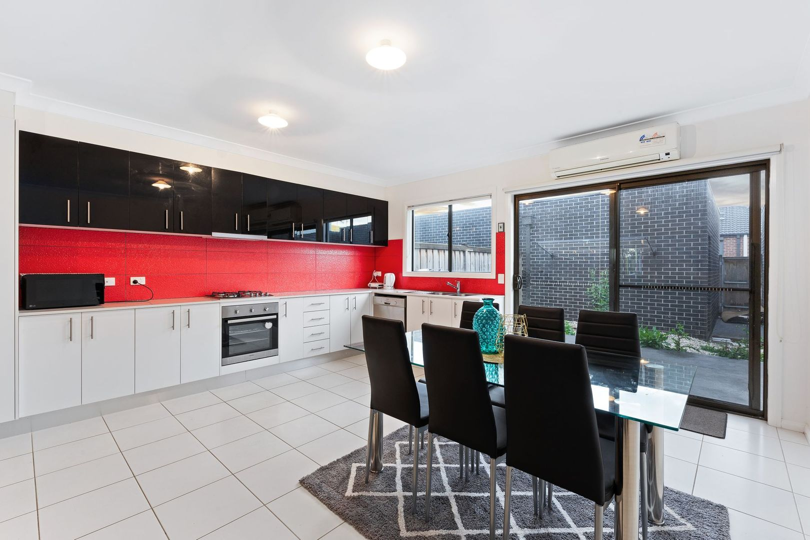 5 Armstrong Walk, Fraser Rise VIC 3336, Image 1