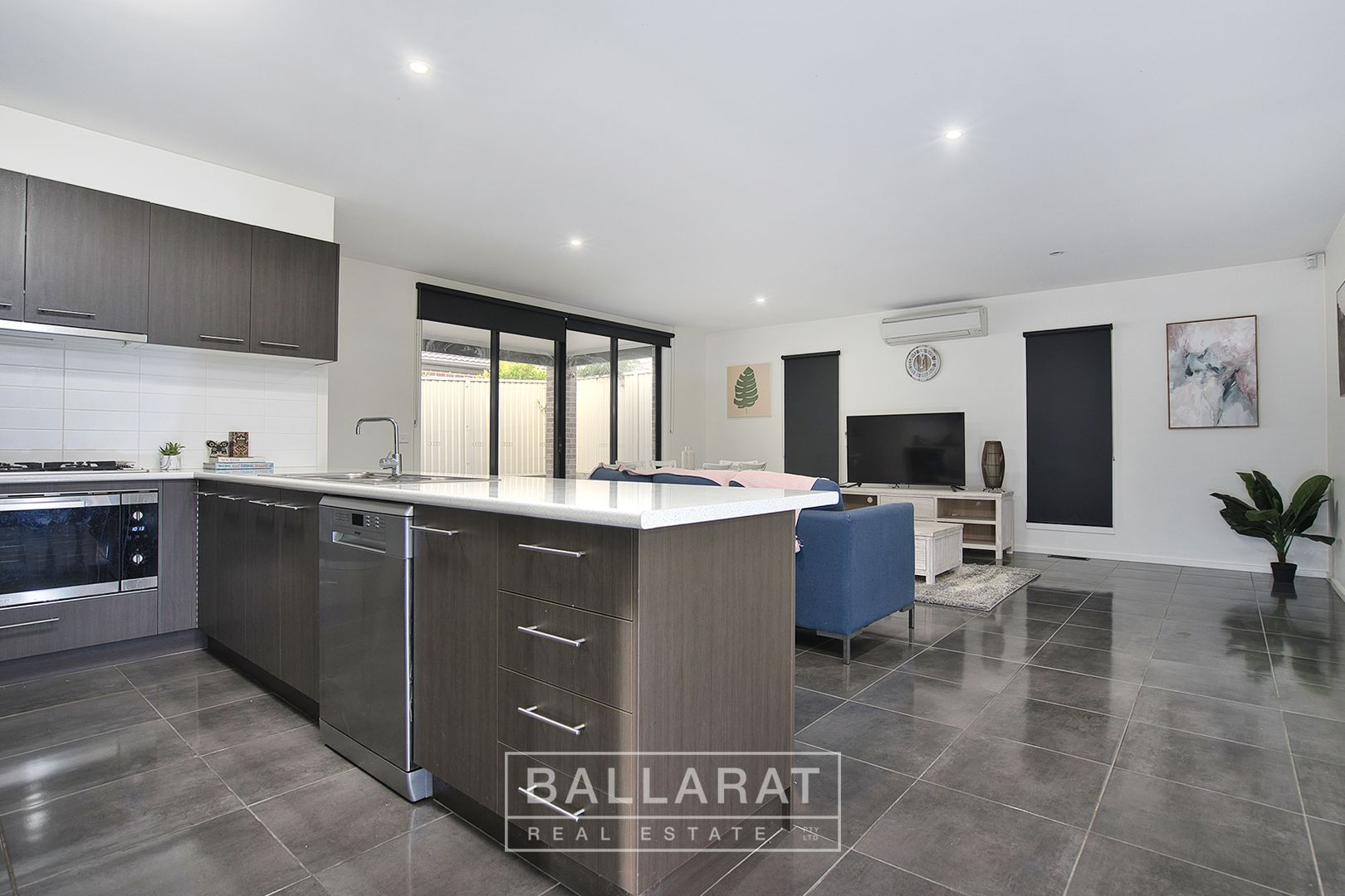 27 Kirby Avenue, Canadian VIC 3350, Image 1