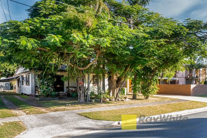Picture of 14 Victor Ave, PARADISE POINT QLD 4216