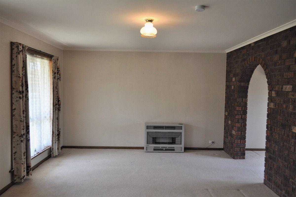 2/4 Brent Court, Lavington NSW 2641, Image 2