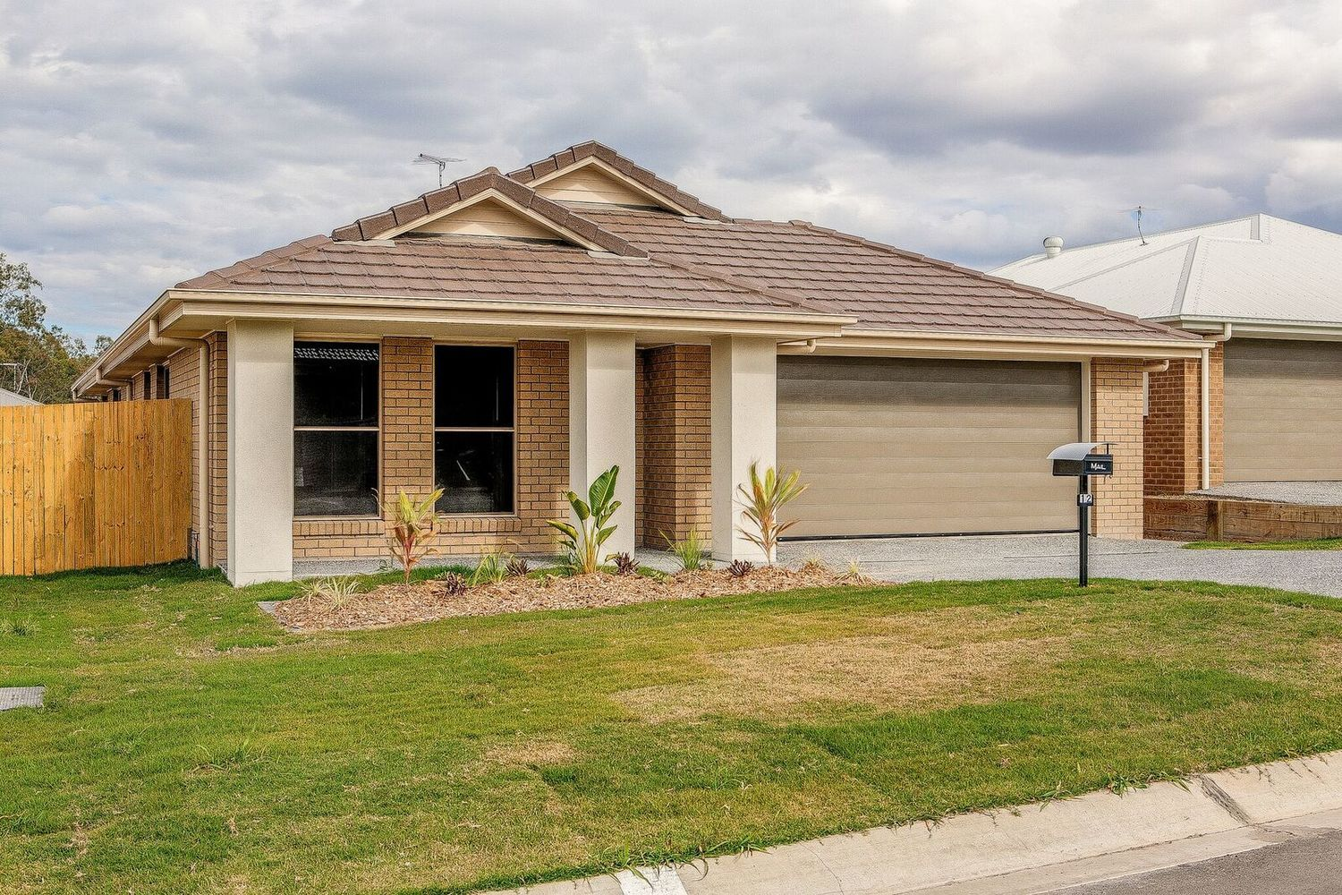 12 Wright Crescent, Flinders View QLD 4305, Image 0
