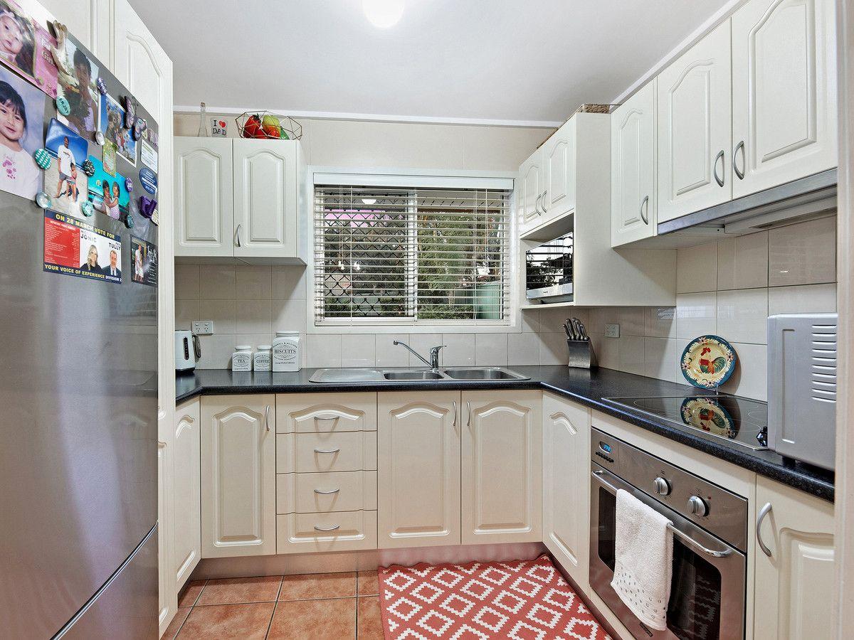 9 Garden Avenue, Camira QLD 4300, Image 2