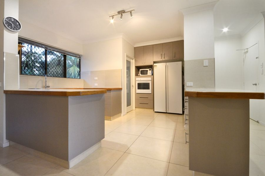 4/2 Eshelby Drive, Cannonvale QLD 4802, Image 0