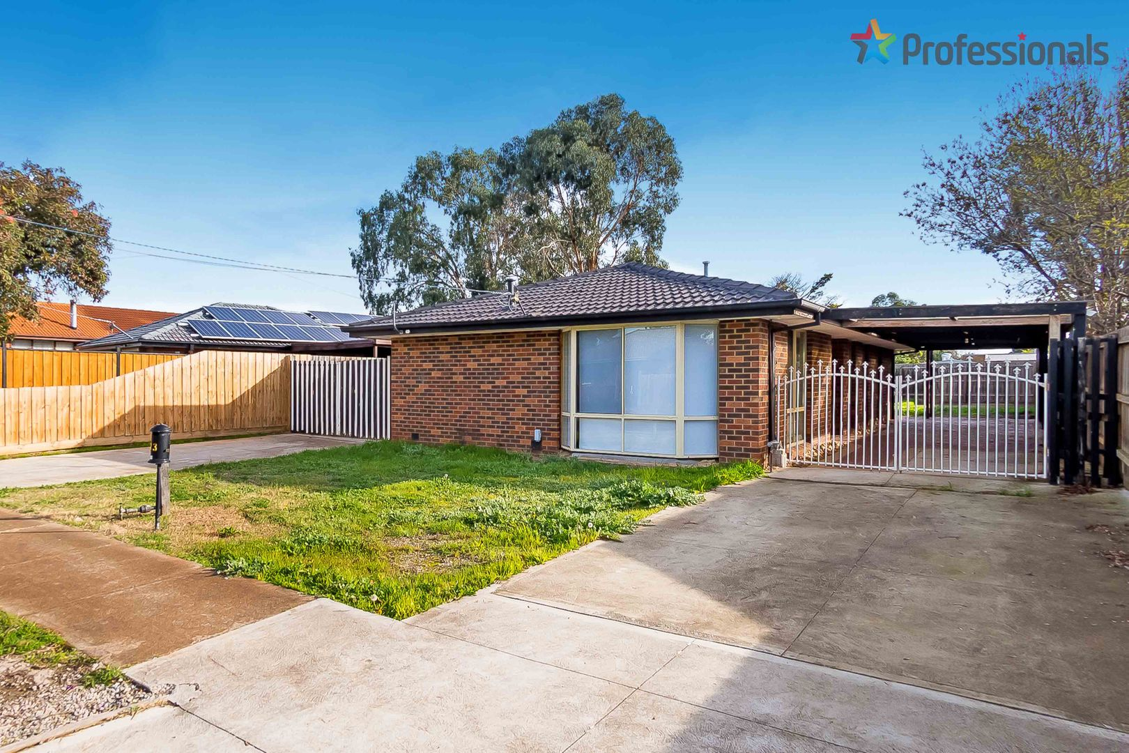 23 Moss  Street, Melton South VIC 3338, Image 0