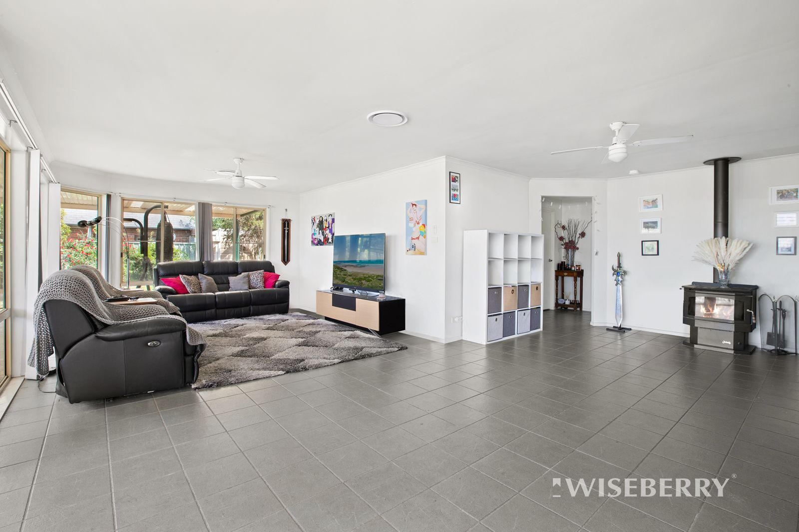 31 Lake Haven Drive, Lake Haven NSW 2263, Image 2