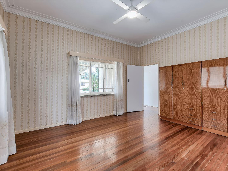 19 Gatwick Street, Stafford Heights QLD 4053, Image 2