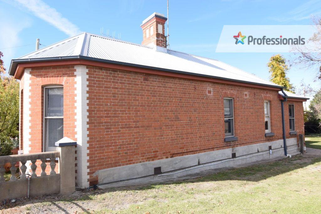 140 Stewart Street, Bathurst NSW 2795, Image 2