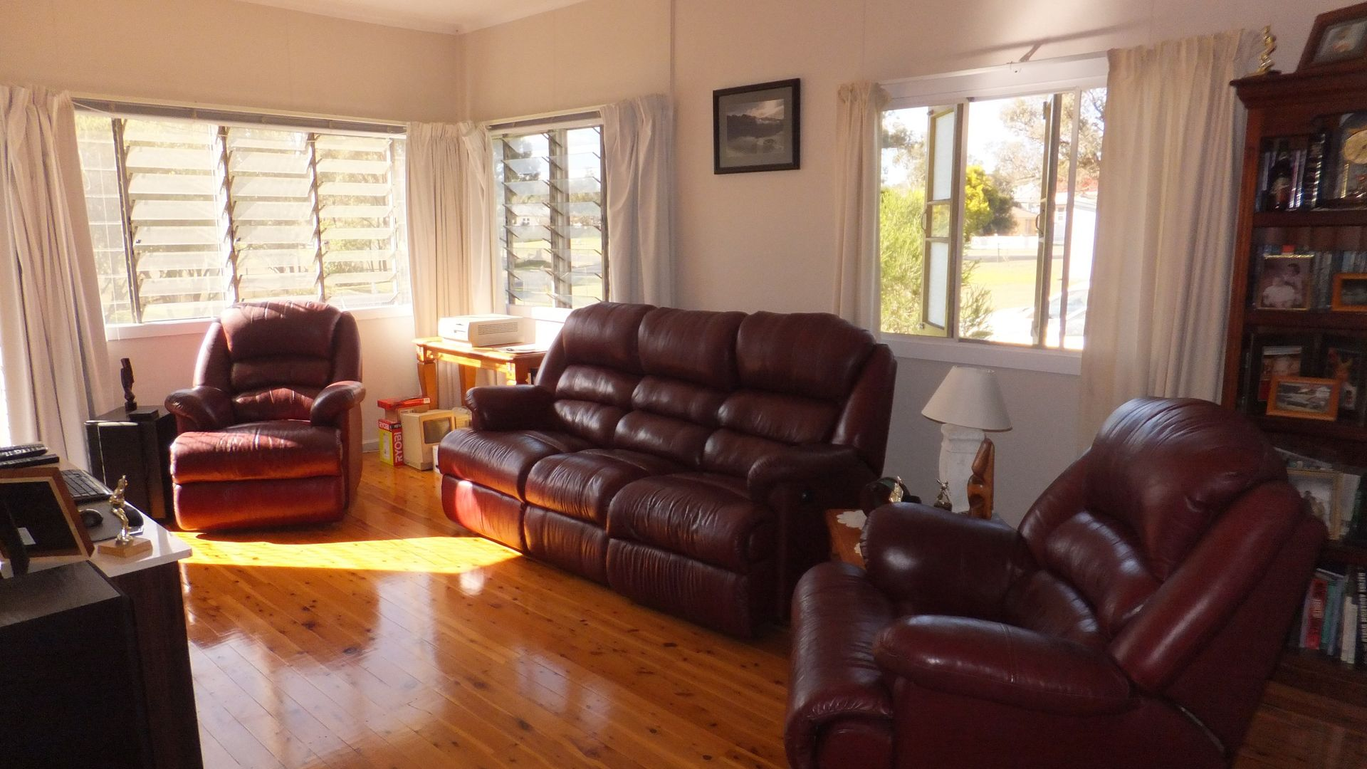 6 Glencoe Street, Warwick QLD 4370, Image 2