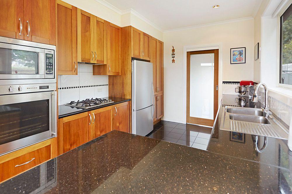 2/10 Montclair Avenue, Glen Waverley VIC 3150, Image 1