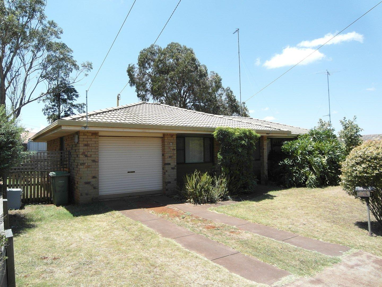 7 Dunemann Street, Kearneys Spring QLD 4350, Image 0