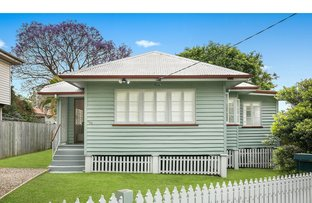 Picture of 220 Sibley Road, Wynnum West QLD 4178