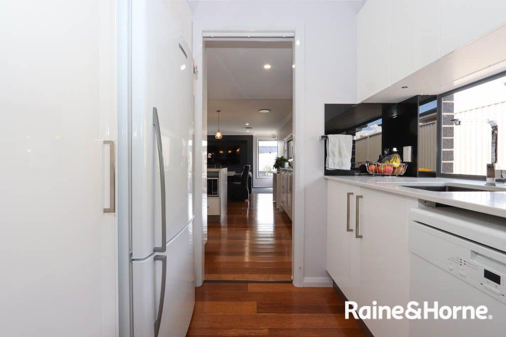 11 Keane Drive, Kelso NSW 2795, Image 2
