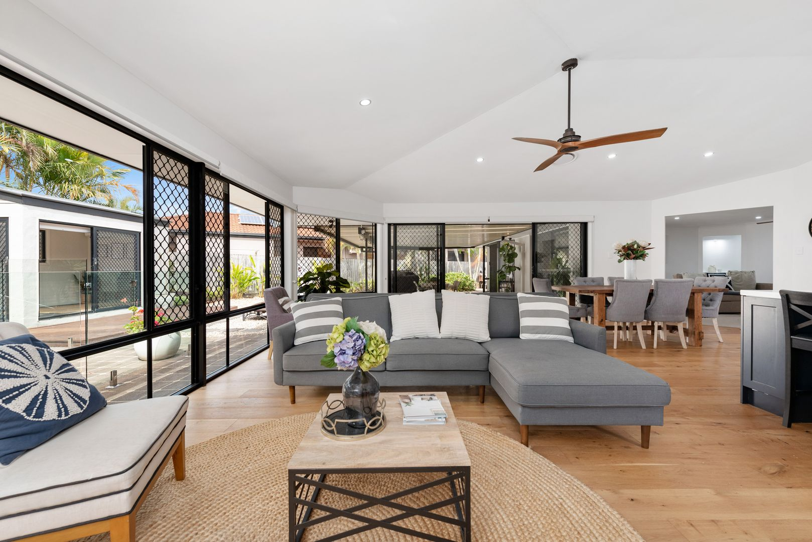20 Kenilworth Place, Carindale QLD 4152, Image 2