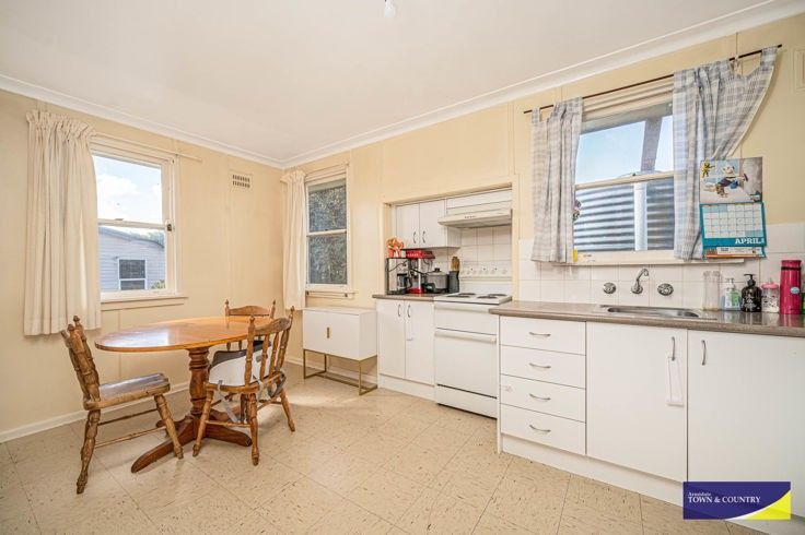 35 Abercrombie Street, Guyra NSW 2365, Image 2
