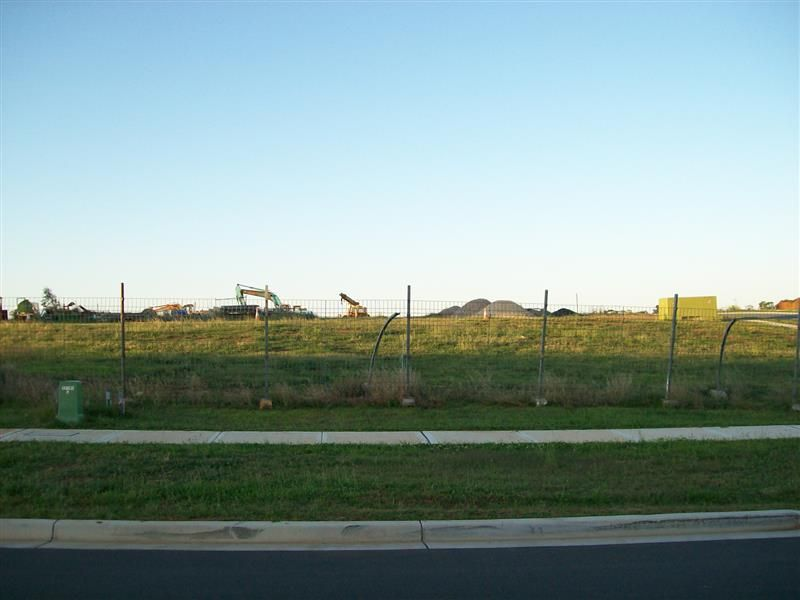 27 Southern Cross Ave, Middleton Grange NSW 2171, Image 0