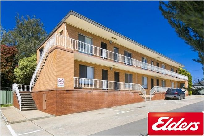 Picture of 10/124 HENDERSON ROAD, QUEANBEYAN NSW 2620