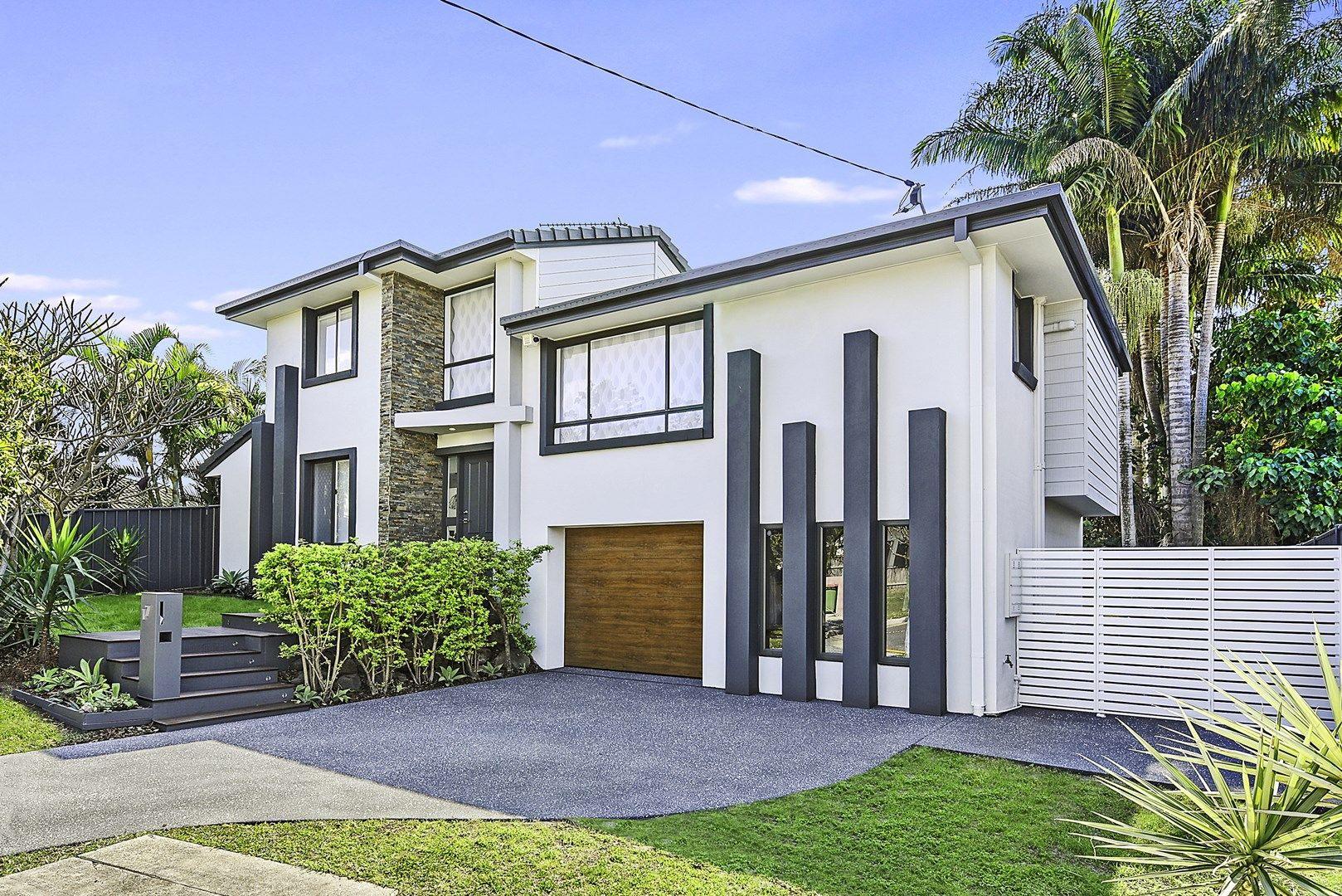 17 Wyndham Avenue, Southport QLD 4215, Image 0